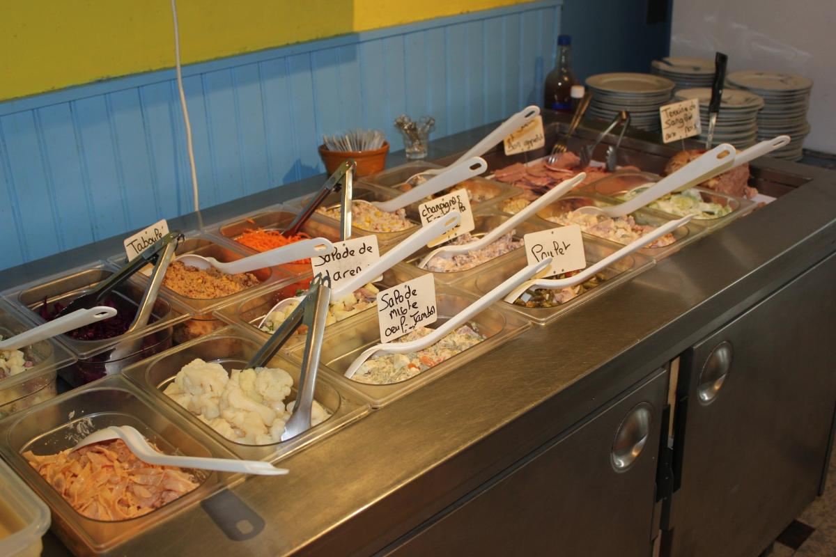 menu proposé accessible à partir de 13 € incluant une entrée, un plat, du fromage et un dessert à Chaingy